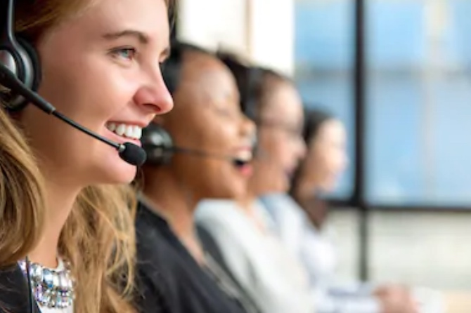Line of call center employees